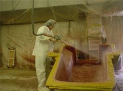 wausa-open-mold-spraying