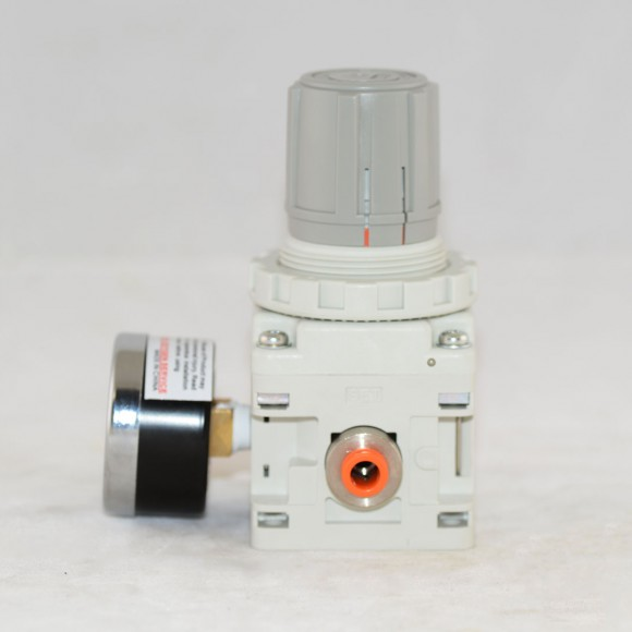 vacuum-regulator-vr2000-rside